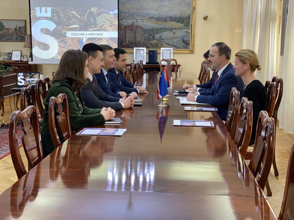 Амбасадор Сједињених Америчких Држава у посети Шапцу