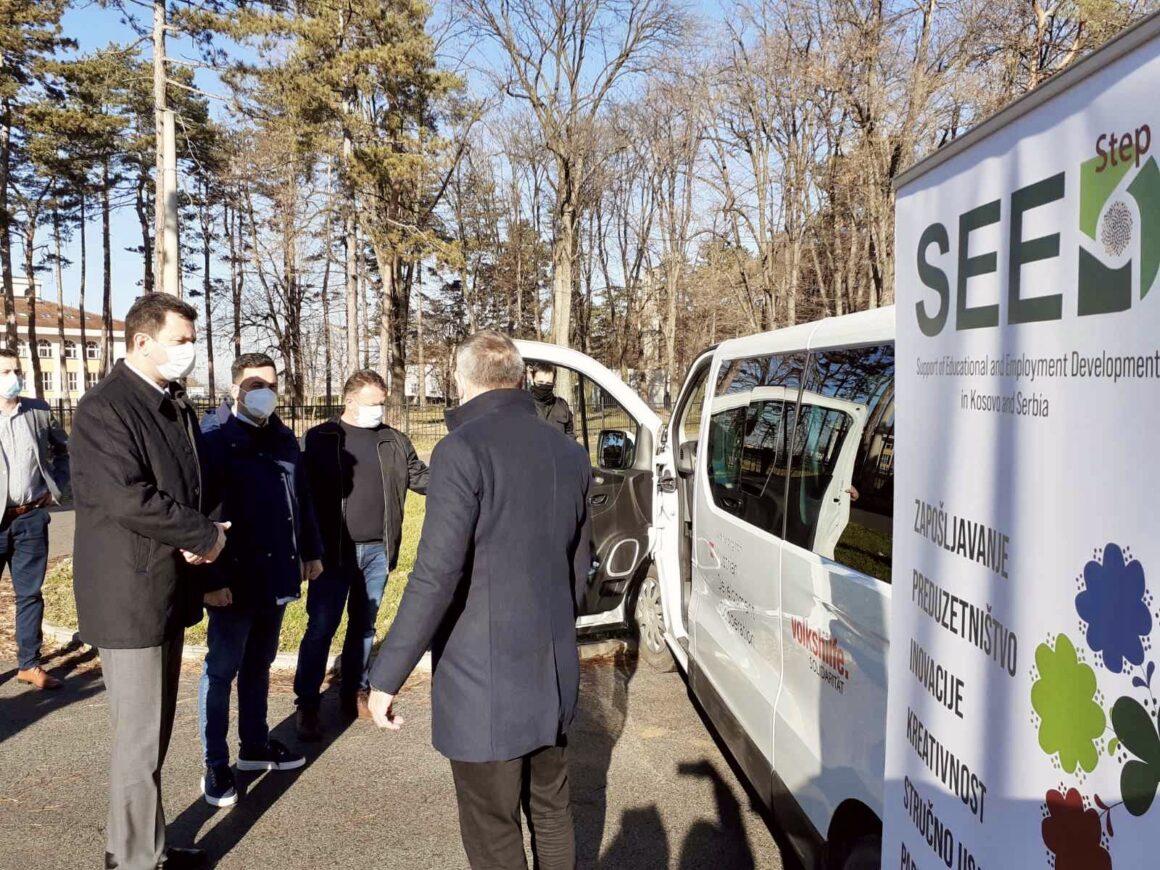 Градоначелник и председник Скупштине уручили Тренинг центру возило финансирано средствима из Пројекта SEED STEP III